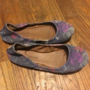 Lucky Brand Flats slip on size 7